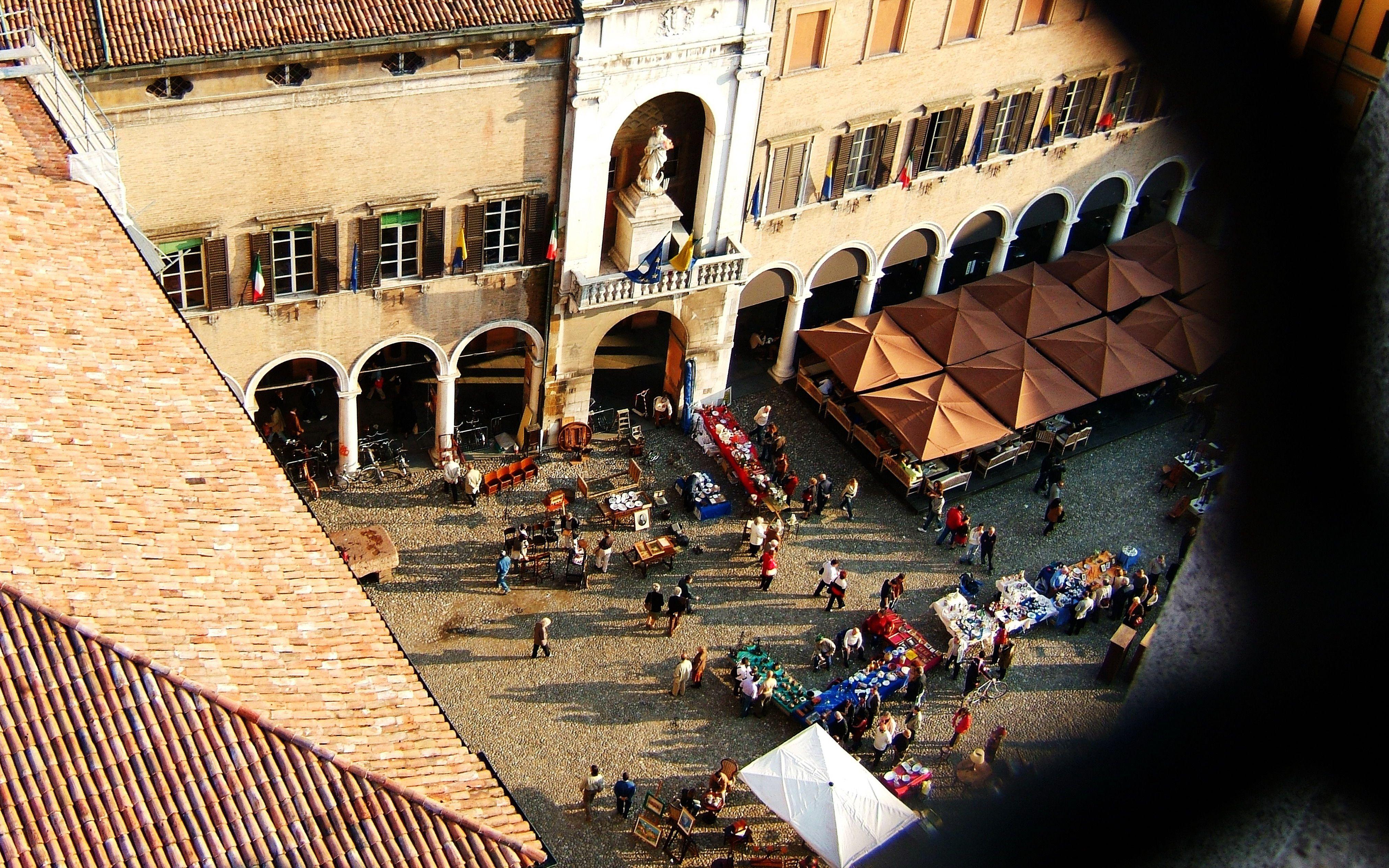Modena Piazza Grande
