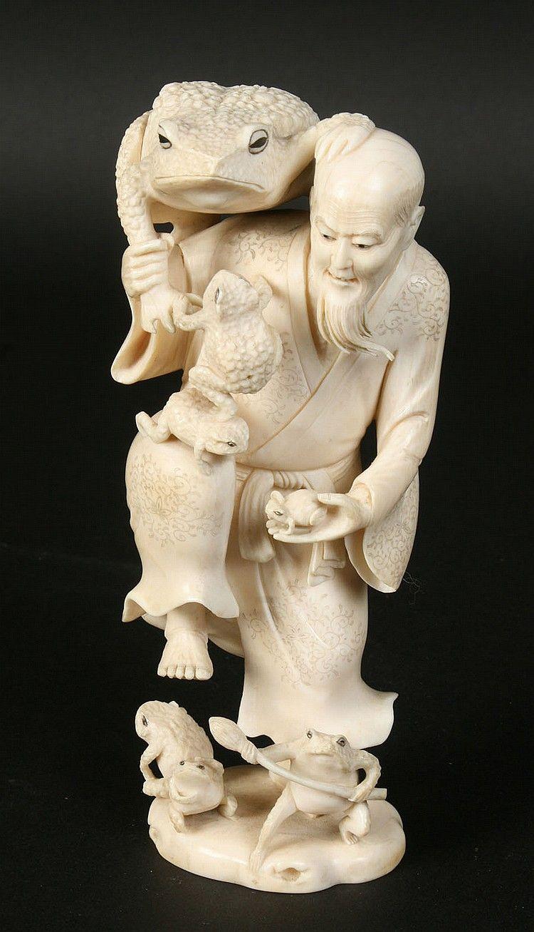 Stunning Gama Sennin carved Okimono Japanese ivory 'The Toad Sage' circa 1900.