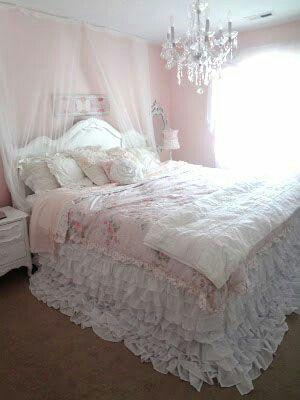 20+ Romantic Shabby Chic Bedroom Ideas !