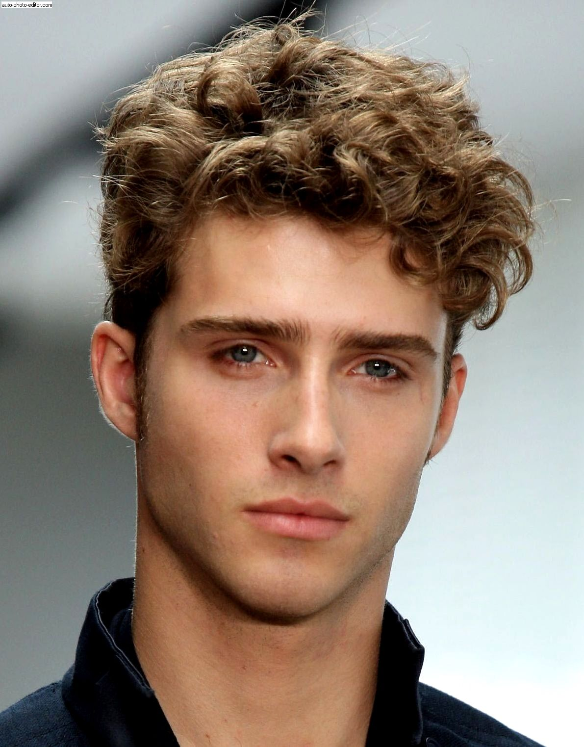 Young Men Hairstyle Trick Curly Hair Men Men S Curly Hairstyles Curly Hair Styles