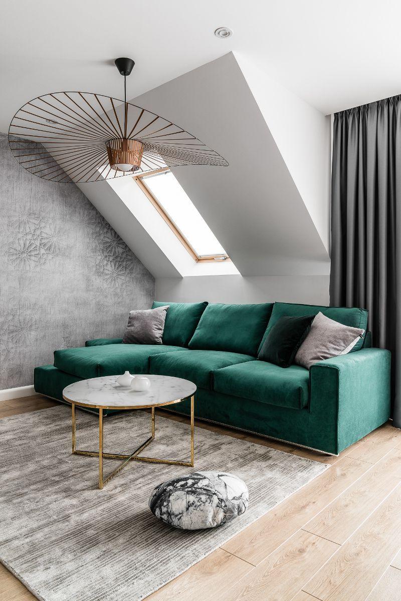 Welur I Butelkowa Zielen Polaczenie Doskonale Zobaczcie Green Living Room Decor Green Sofa Living Room Green Couch Living Room