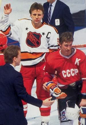 1987 NHL All-Star Rendez-vous  87 - Gretzky   Fetisov jersey swap ... 2110626538c
