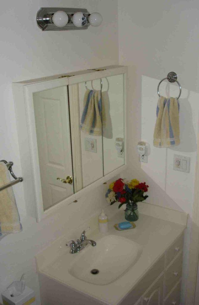 Bathroom Vanity Towel Holder
