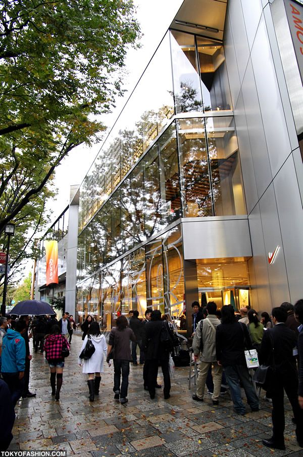 The Nike Harajuku Flagship store in Tokyo opened today - exclusive pictures  and info.