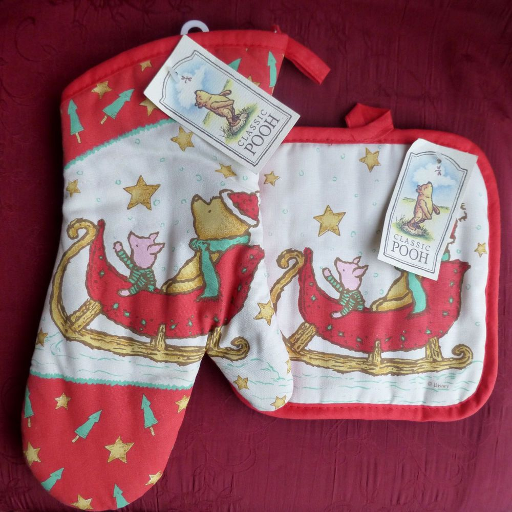 Christmas Baby Mittens Pooh Bear