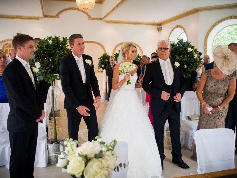 7 Ideen Die Bei Euren Gasten Fur Unterhaltung Sorgen Hochzeit Fotos Hochzeit Hochzeitsfeier