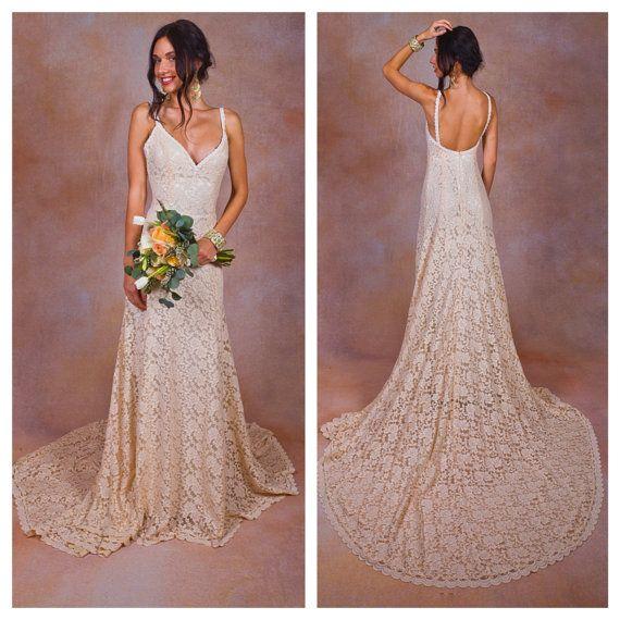 Rückenfreies Hochzeitskleid/Brautkleid von Dreamersandlovers ...
