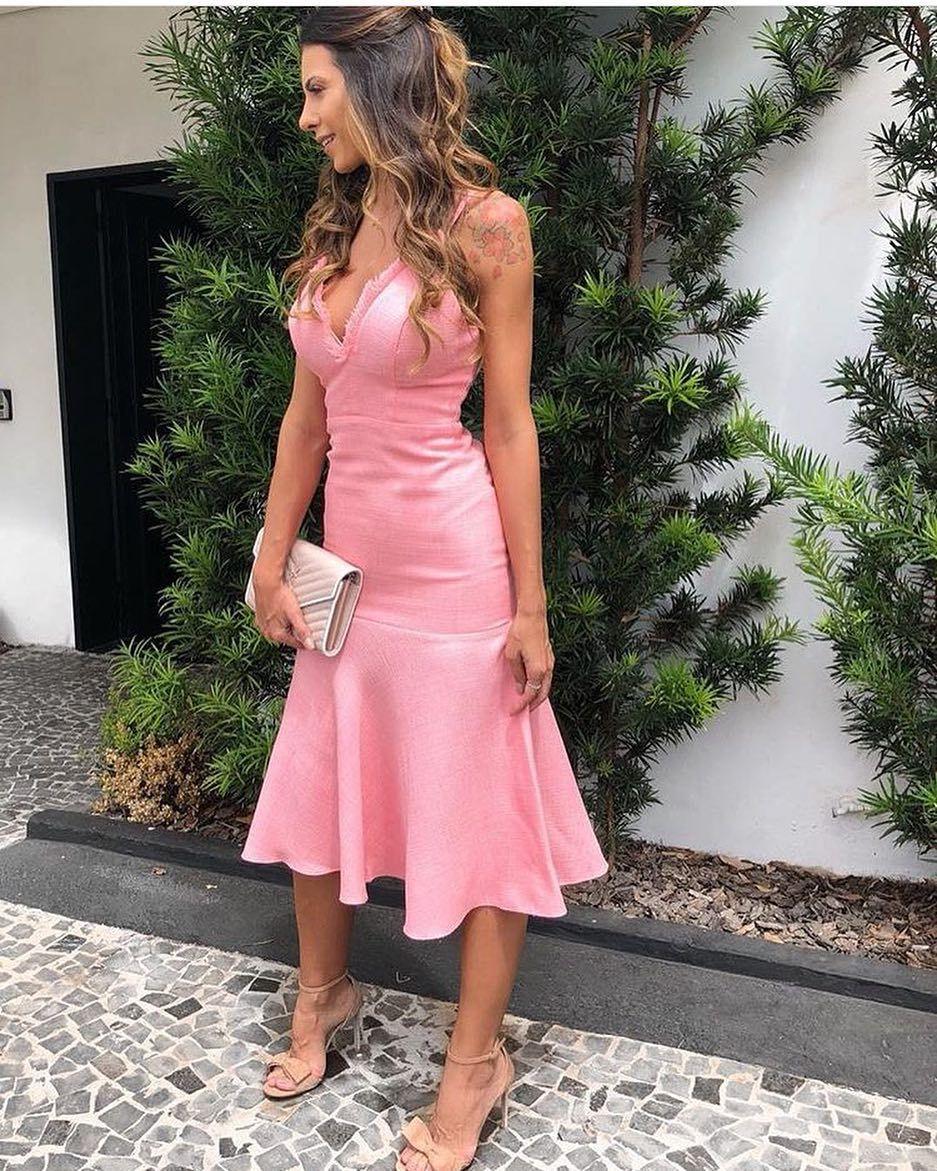 Vestido midi rosa lindo demais! Compre pelo site: www.maboboutique ...