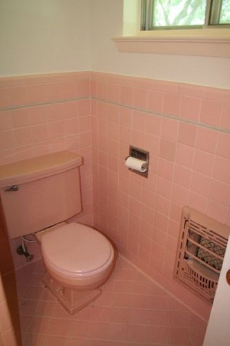 Pink bathroom | Vintage bathrooms, Tubs and Vintage