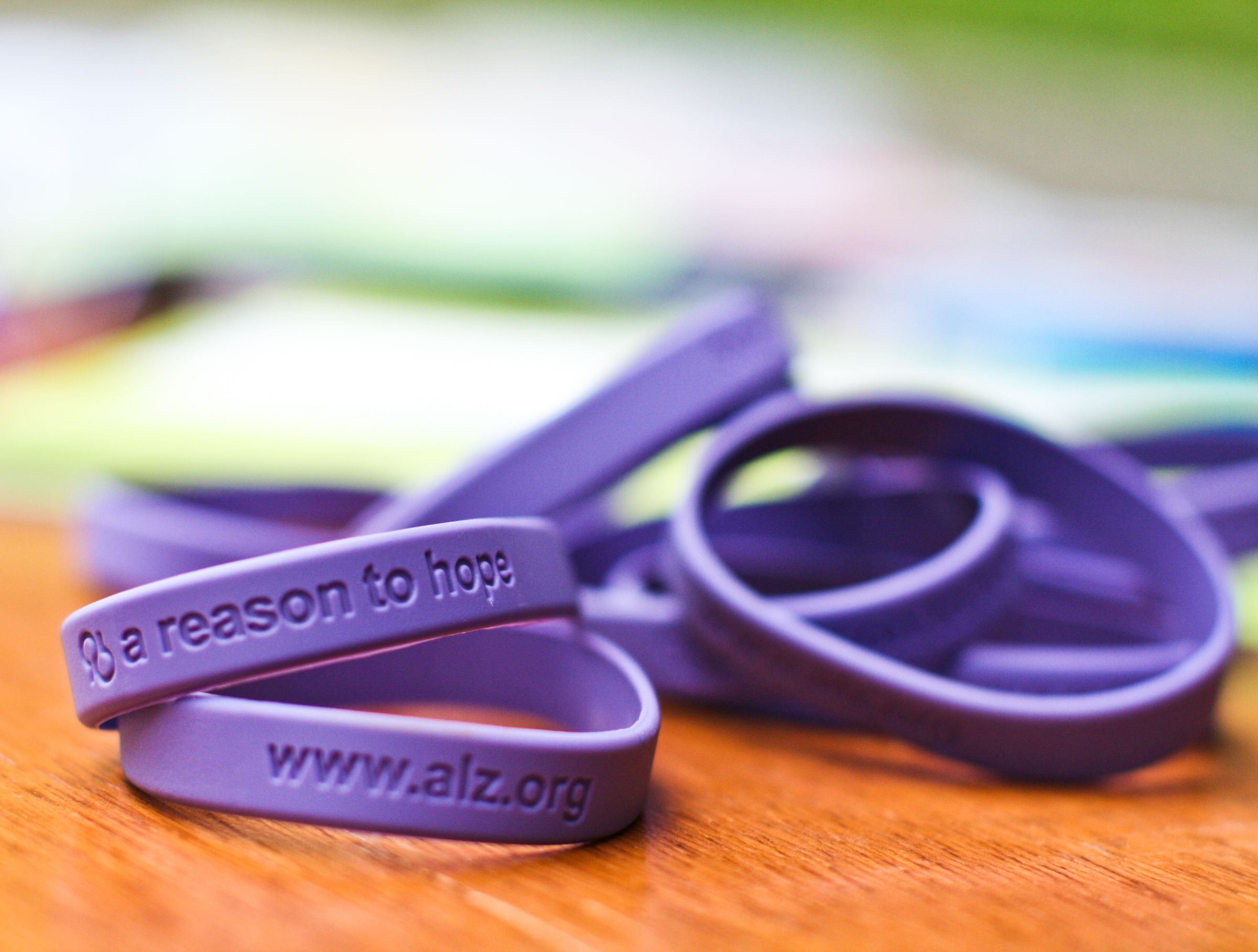 bracelet s awareness alzpin products alzheimer alzheimers pin store
