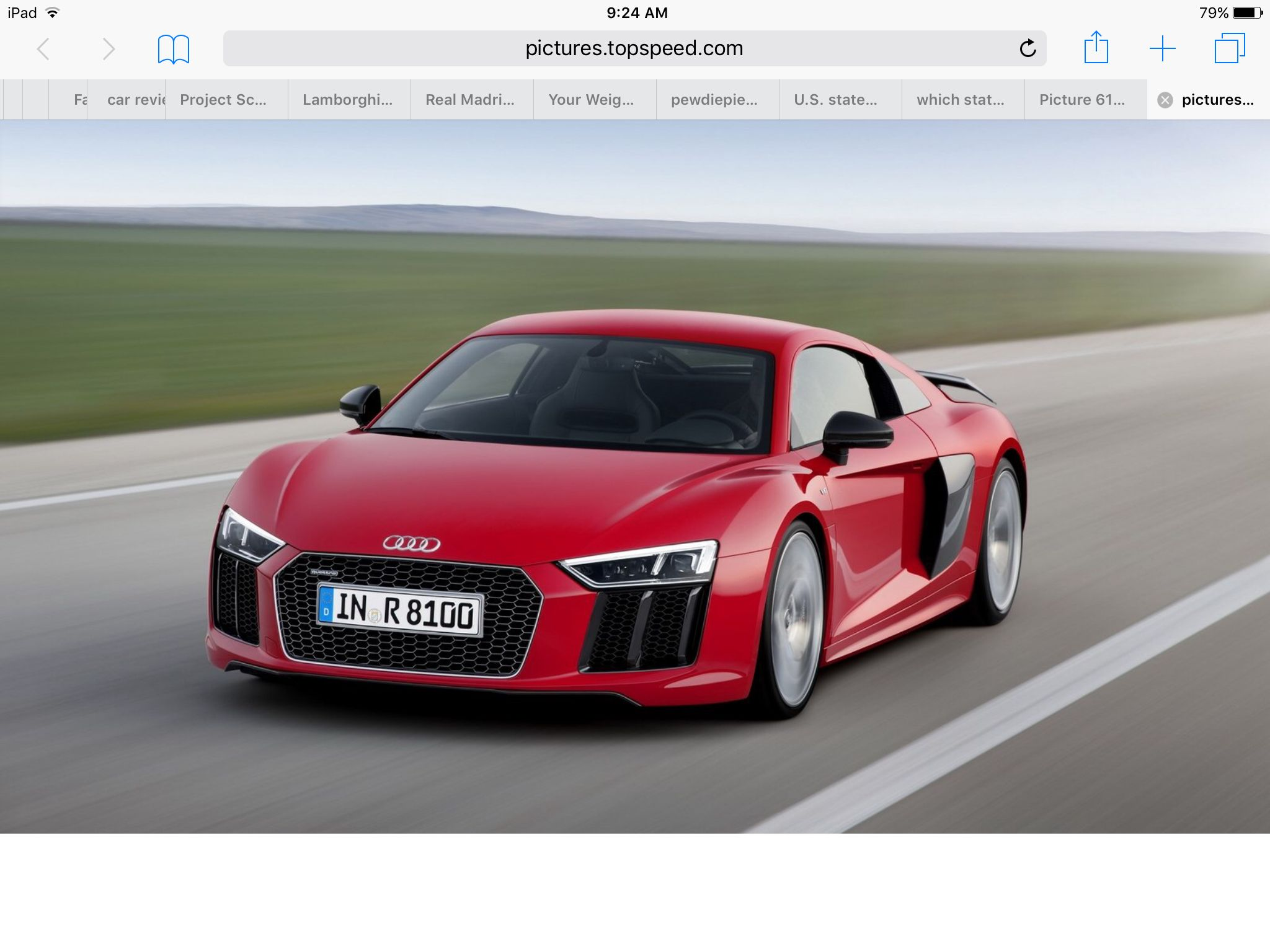 2017 Audi R8 Has A Maximum Speed Of 200 Mph 0 60 Speed Time Is 3 5 Seconds It Costs About 162000 Dollars Audi R8 New Audi R8 Audi R8 V10