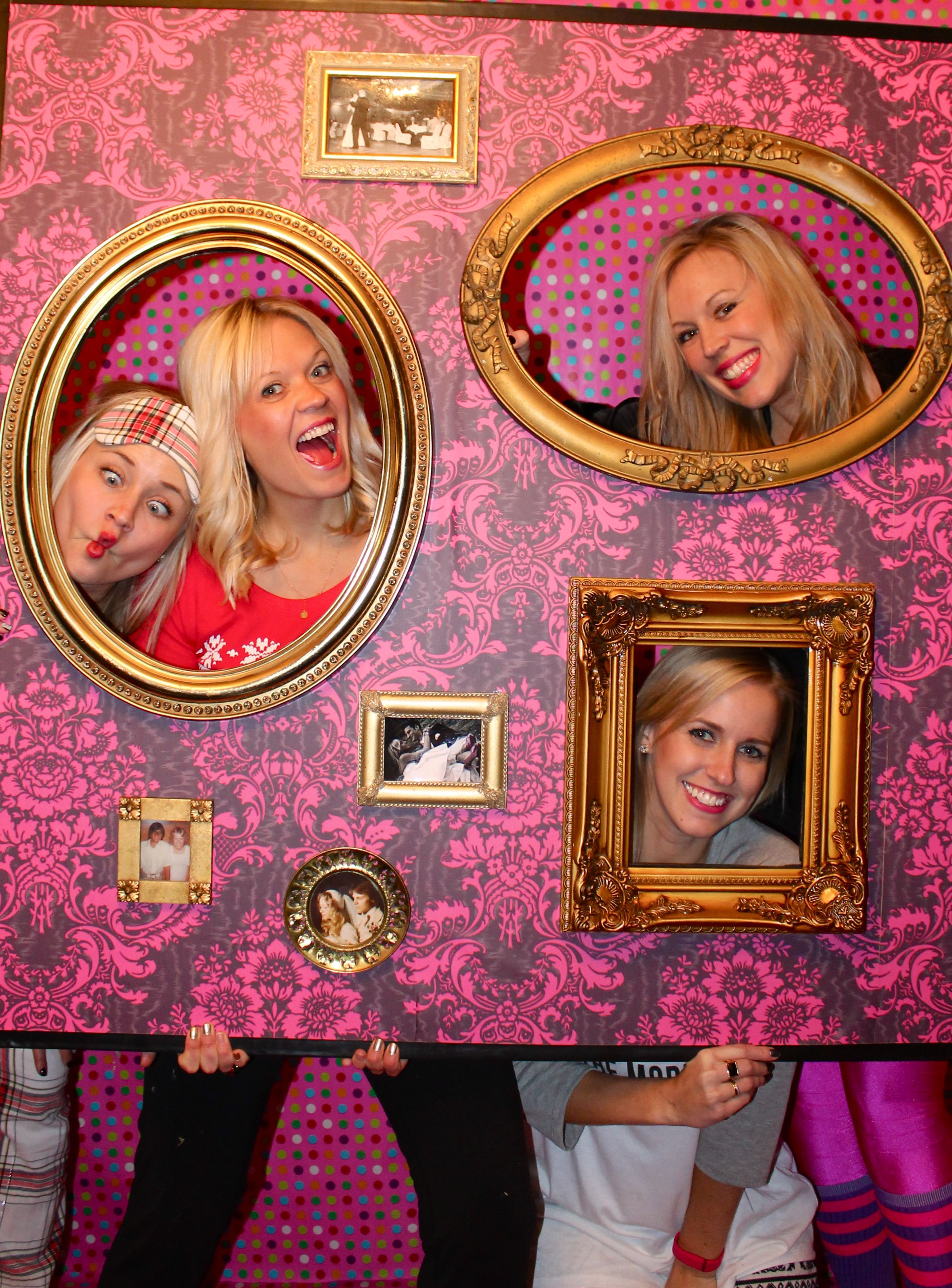 Diy photo booth picture wall for 10 photo booth wall