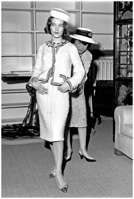 History of chanel fashion 98