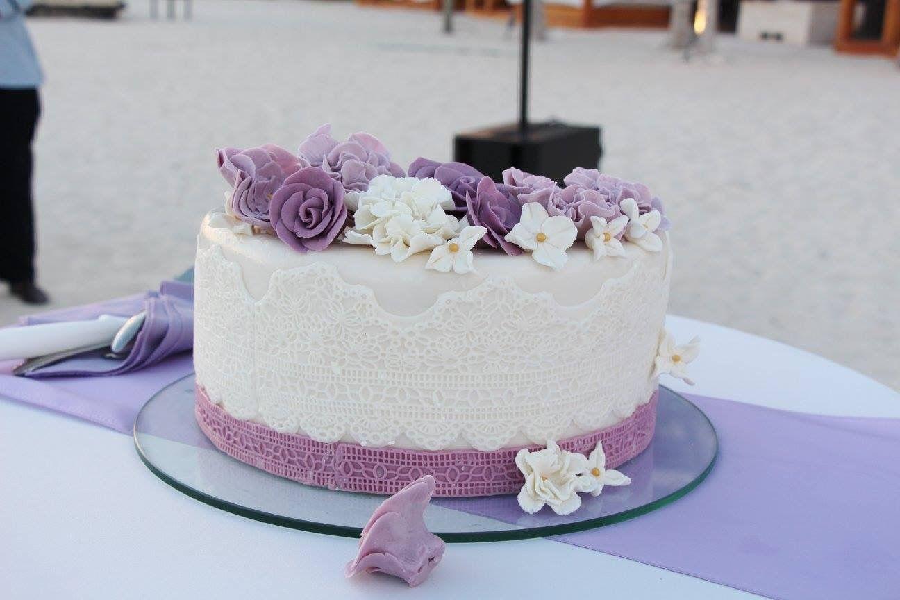 Lilac beach wedding cake | Cancun wedding on the beach | Pinterest ...