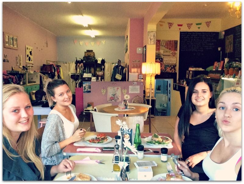 Some lovely ladies enjoying an early dinner at Portobello Road last night! We are open until 7pm on Wednesdays :)
