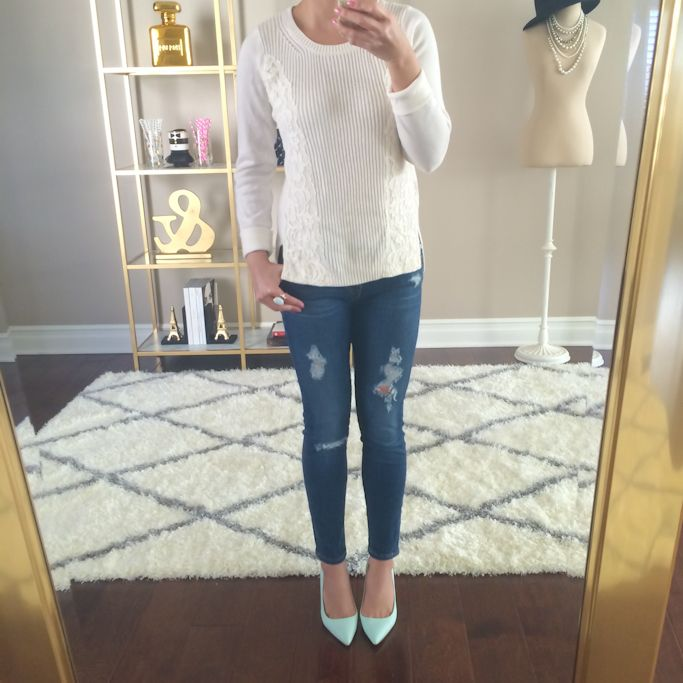 Sale Alert: 40% off everything at Loft (plus Fitting Room reviews)  // Click the following link for items and details:  http://www.stylishpetite.com/2015/03/sale-alert-40-off-everything-at-loft.html