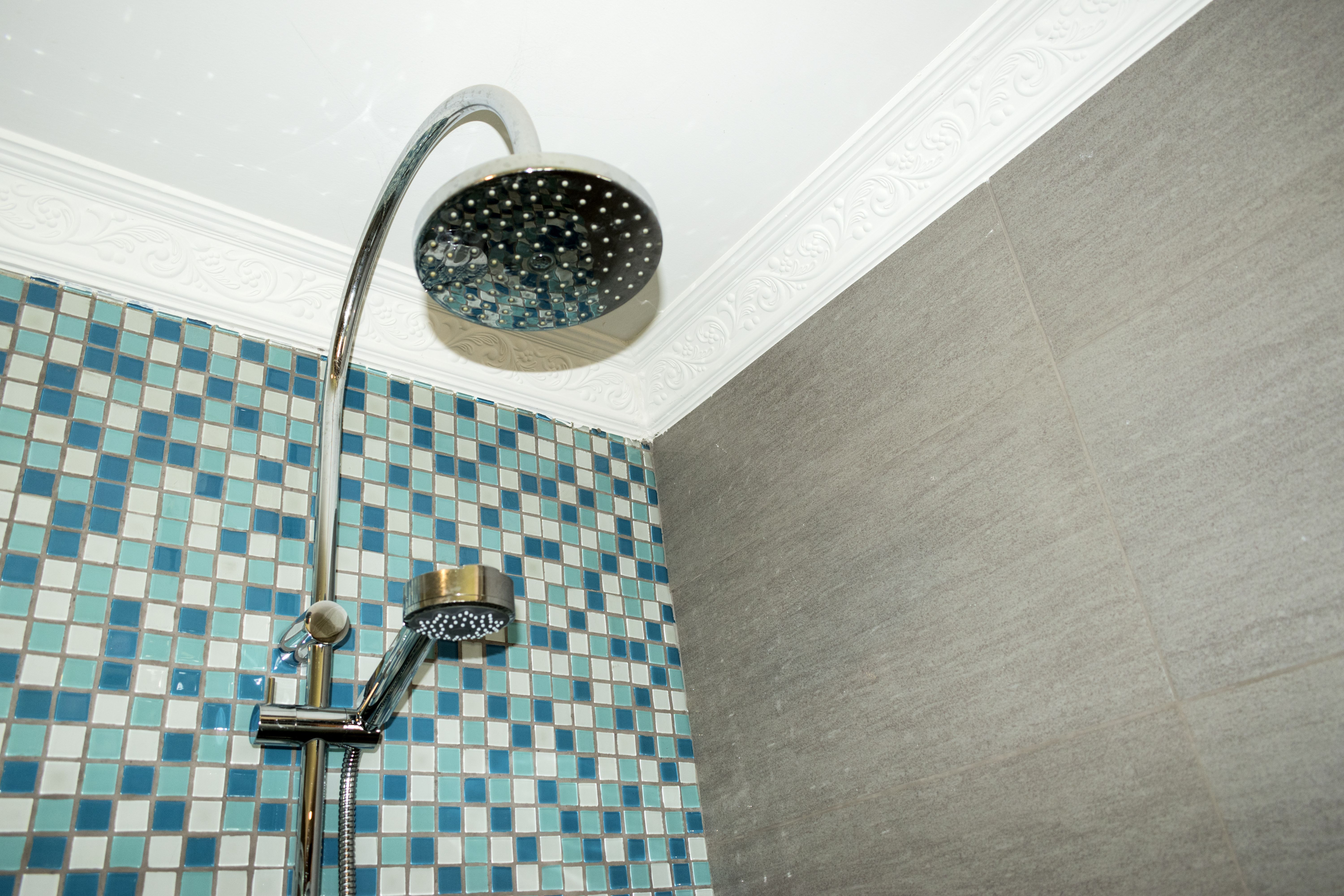 How To Do A Mosaic Tile On An Inside Corner Hunker In 2020 Mosaic Tiles Mosaic Diy Repair