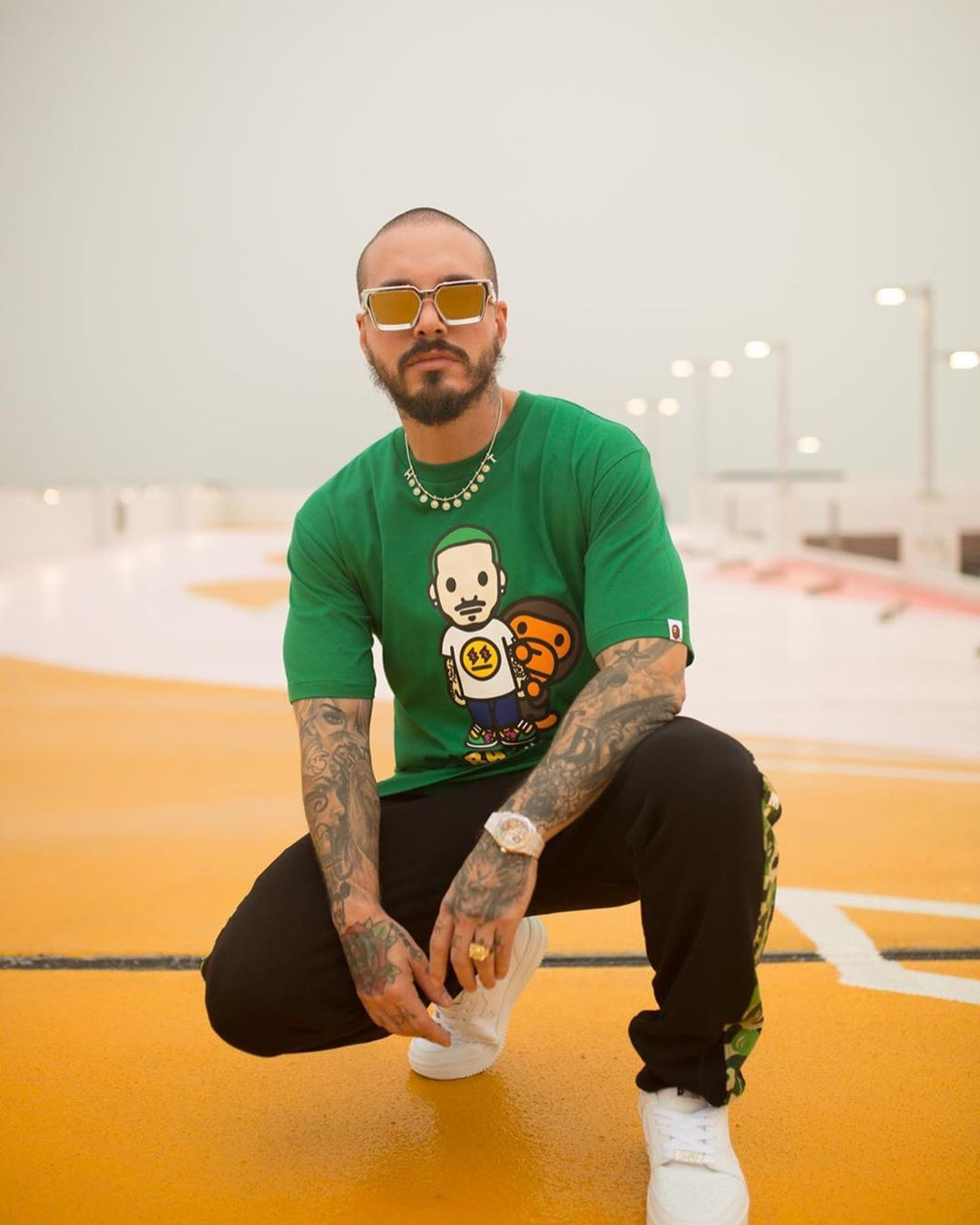 J Balvin En Instagram Latino Gang Pa La Cultura Bape Us With Bape Is Collaborating With Reggaeton S Global Ambassador Jbalv In 2020 Reggaeton Bape Mens Tshirts