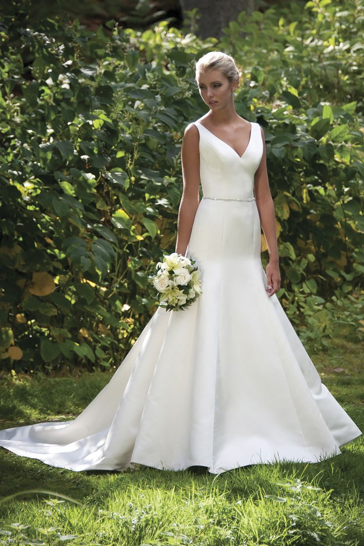 New Simple Ball gown V neck Satin Wedding Dress for Older Brides Over