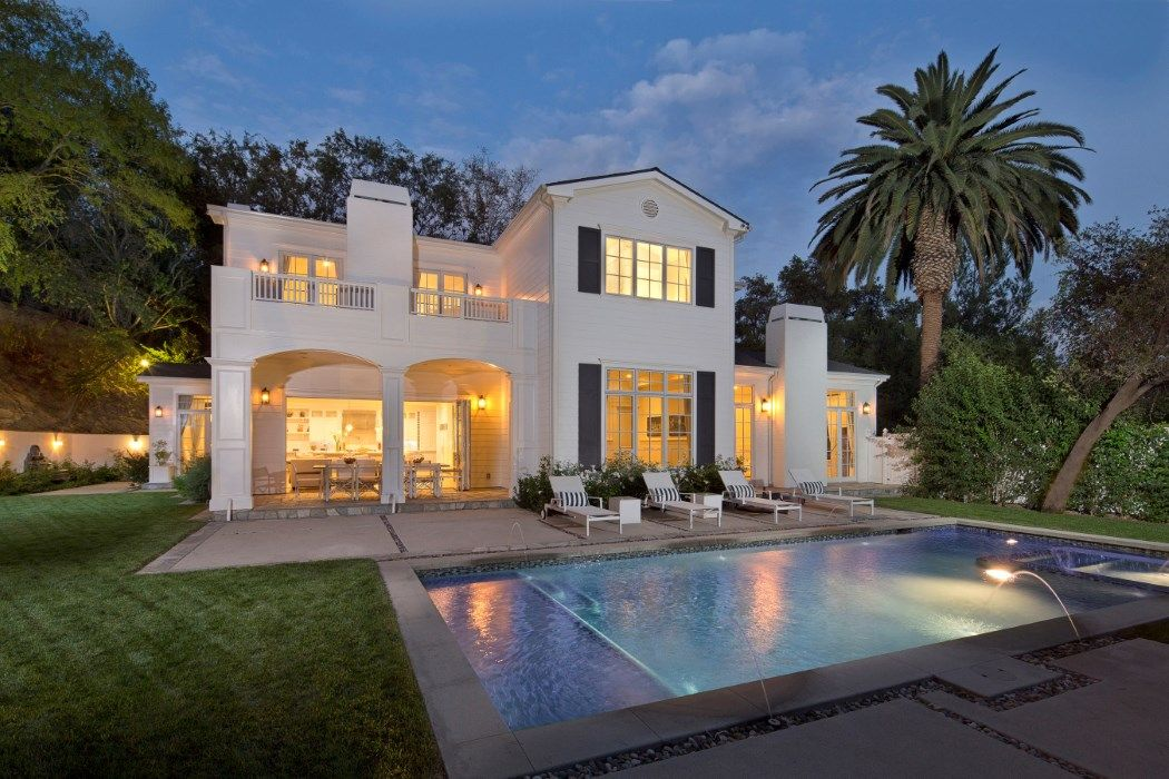 Stunning East Coast Traditional Estate 3815 Valley Meadow Road Encino Ca 91436 Florida Cottage Estate Homes Luxury Real Estate