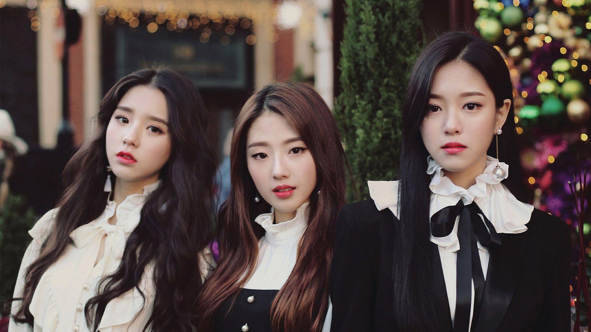 K Pop Loona Asian Women Heejin Hyunjin Haseul 1080p Wallpaper Hdwallpaper Desktop Camera Wallpaper Wallpaper Kpop