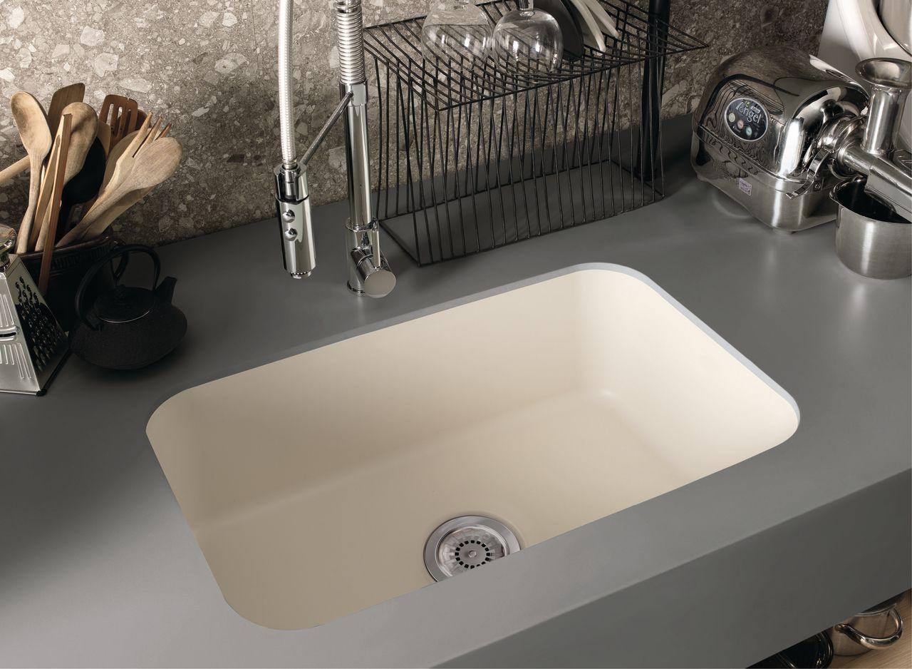 Corian Sonora Featured With Corian Undermount Sink Model 871 In