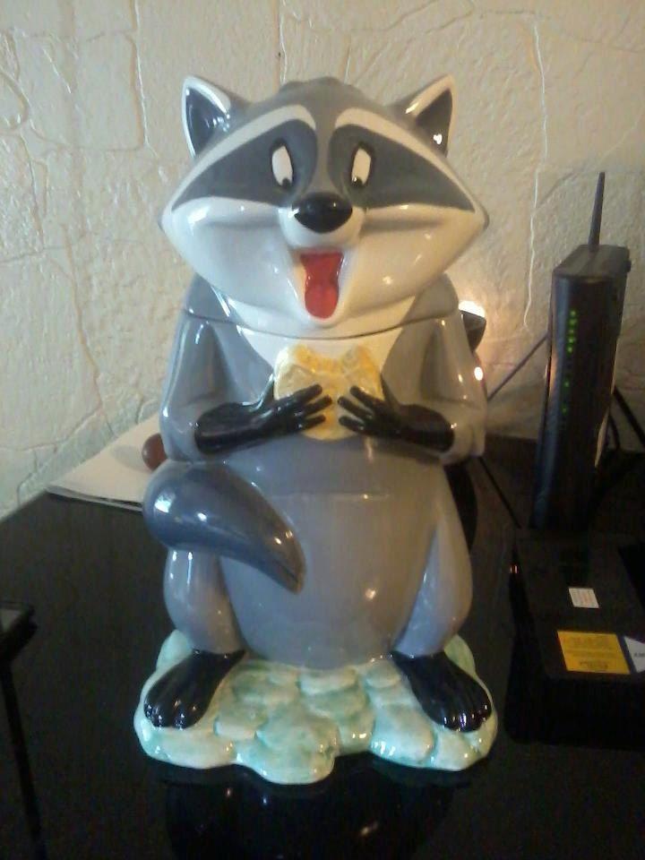 Disney Cookie Jar Etsy >> Uncommon Disney Pocahontas Meeko Cookie Jar Free Shipping