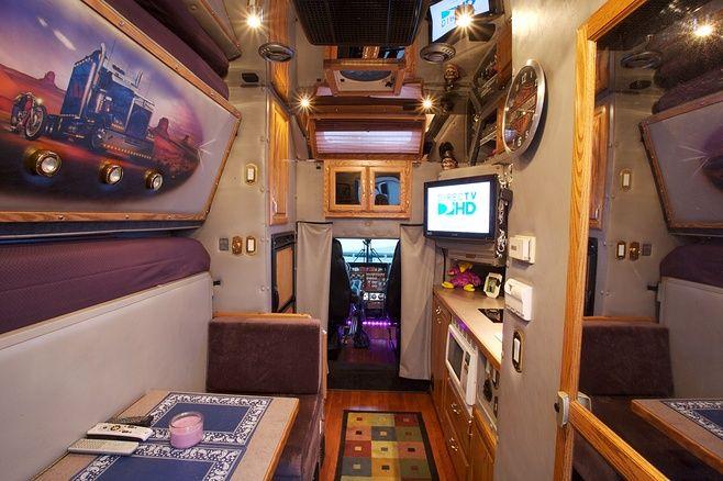 pin by sheila harrell on biggg trucks big rig trucks trucks custom big rigs. Black Bedroom Furniture Sets. Home Design Ideas