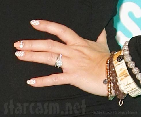 Jennifer Love Hewitt Engagement Ring 2