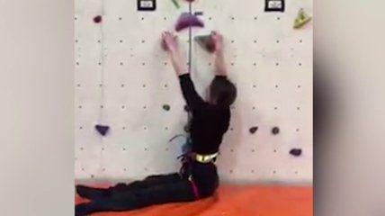 L'arrampicata senza gambe di Lola: la forza di una donna coraggiosa