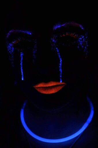 Experimenting with UV makeup. Was soo much fun creating this look and working in complete darkness! Definitely an new experience, but loved it! Photography by Mike Leahy. Make up by myself.