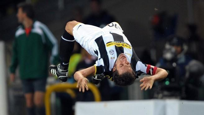 Del Piero é o jogador com mais partidas (705) e maior artilheiro (290 gols) da história da Juventus