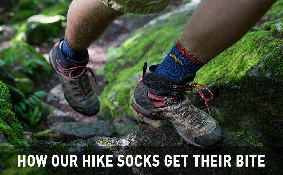 10a6d4001c9cf Amazon.com: Darn Tough Vermont Men's Merino Wool Boot Cushion Hiking Socks:  Sports & Outdoors. Darn Tough Hiker Micro Crew ...