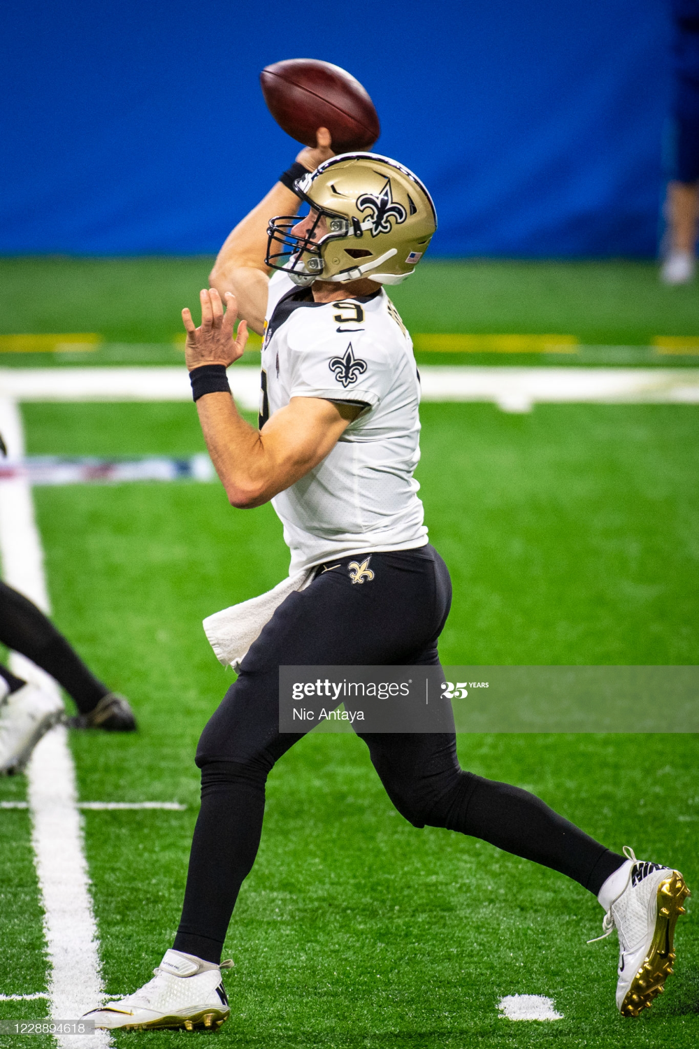 Drew Brees Of The New Orleans Saints Throws The Ball During The New Orleans Saints Football New Orleans Saints Nfl Saints