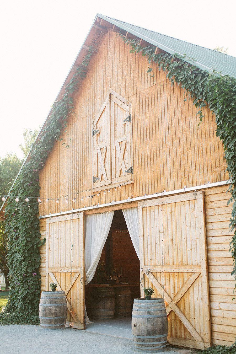 3 oaks vineyard wedding from we heart photography