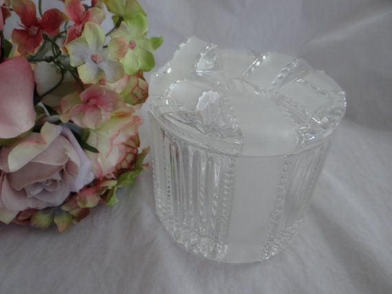 La Belle Lead Crystal Frosted Glass Bow Canister by SecondWindShop, $24.50