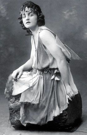 P L Travers As A 1920s Stage Actress In Australia Dressed As Titania In A Midsummer Night S Dream See More Pics Of Pl Travers Mary Poppins Mary Poppins Book