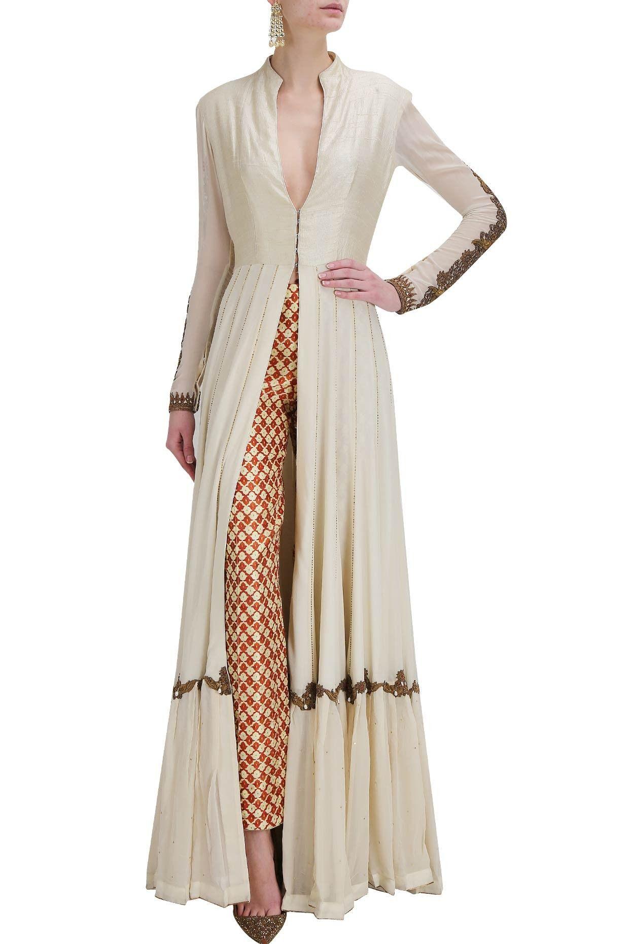5355e1b27 Moda Femenina · Trajes De Diseñador Indio · Anand Kabra Kimono Largo