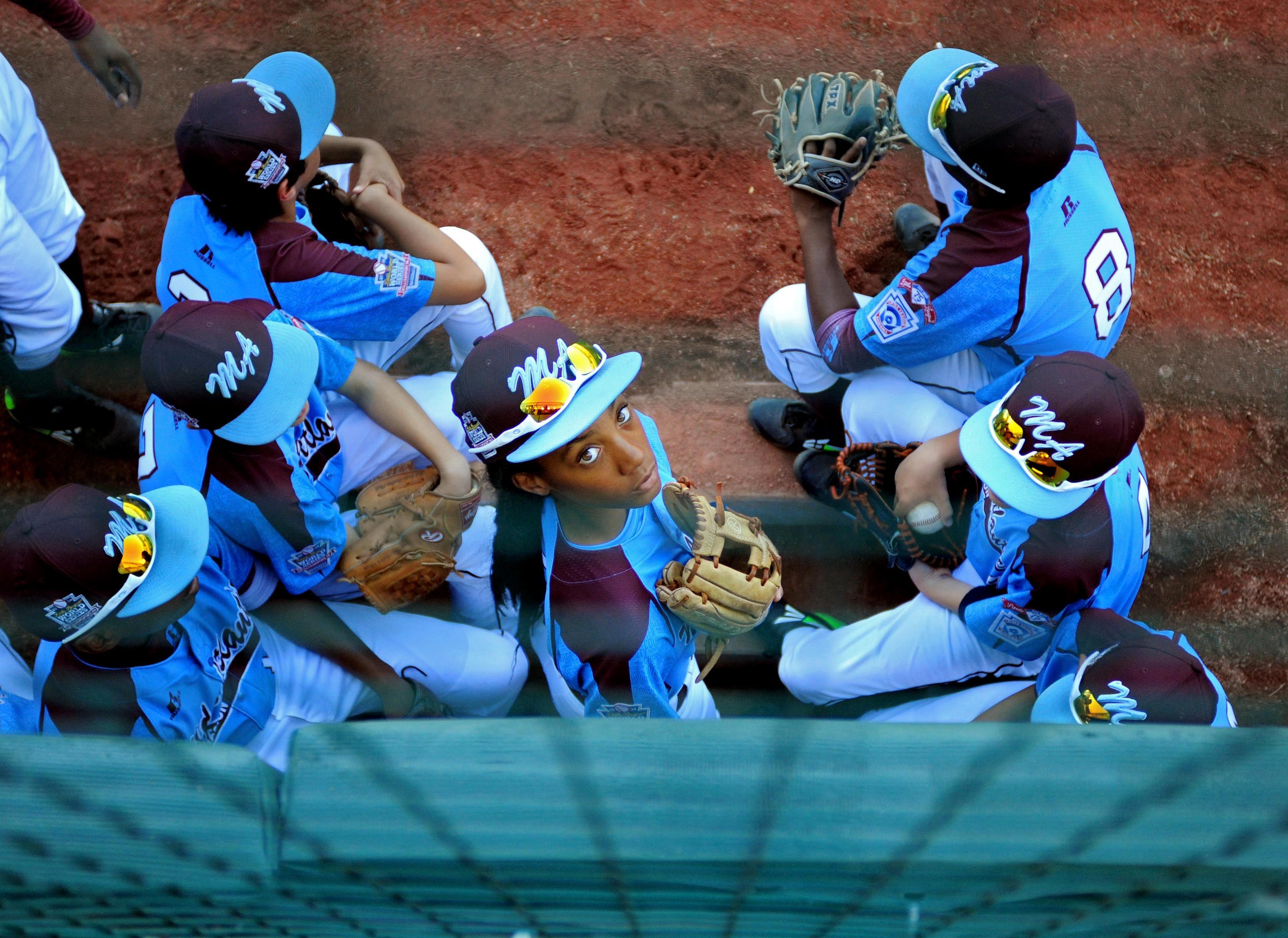 Mo Ne Davis Inspires Hope For Baseball Change Little League Mone Photos Of The Week