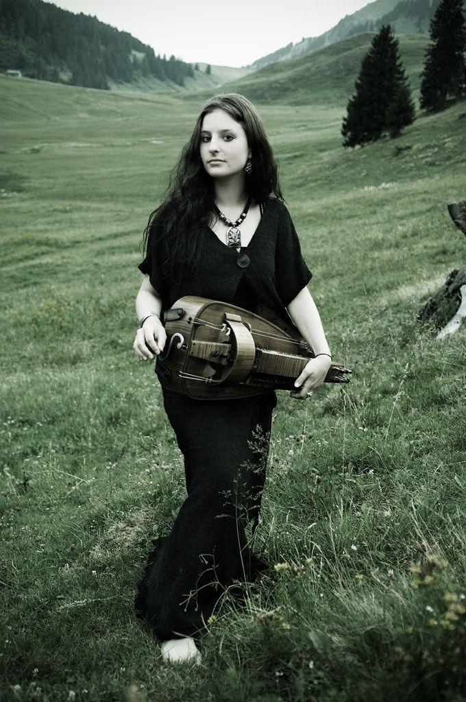 [WCW INTERVIEW] A Closer Look At Anna Murphy of Eluveitie | The Metalist za