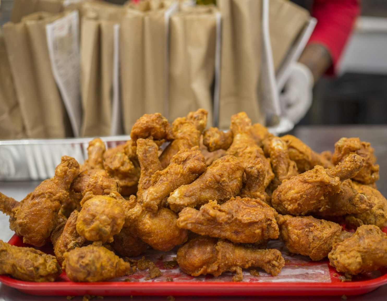 review gus s fried chicken is world famous for a reason fried chicken food chicken pinterest