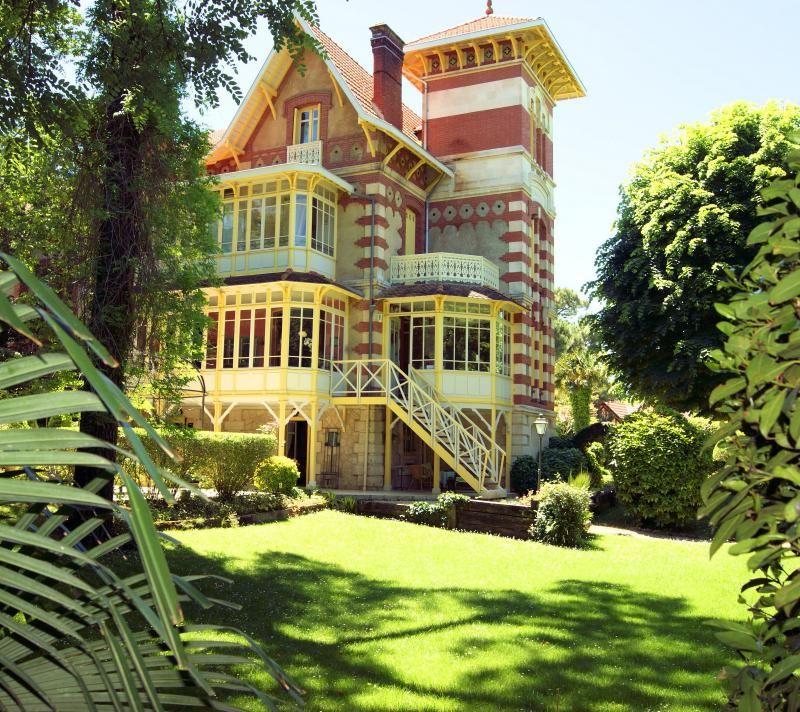 Villa ville d hiver arcachon propri t s de r ve for Belles maisons du bassin