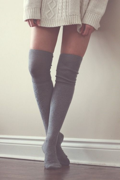 e6b3aa83aa8 Knee socks and a lazy sweatshirt  3