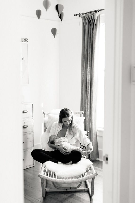 Los Angeles newborn photos at home by Erin Hearts Court | 100 Layer ...