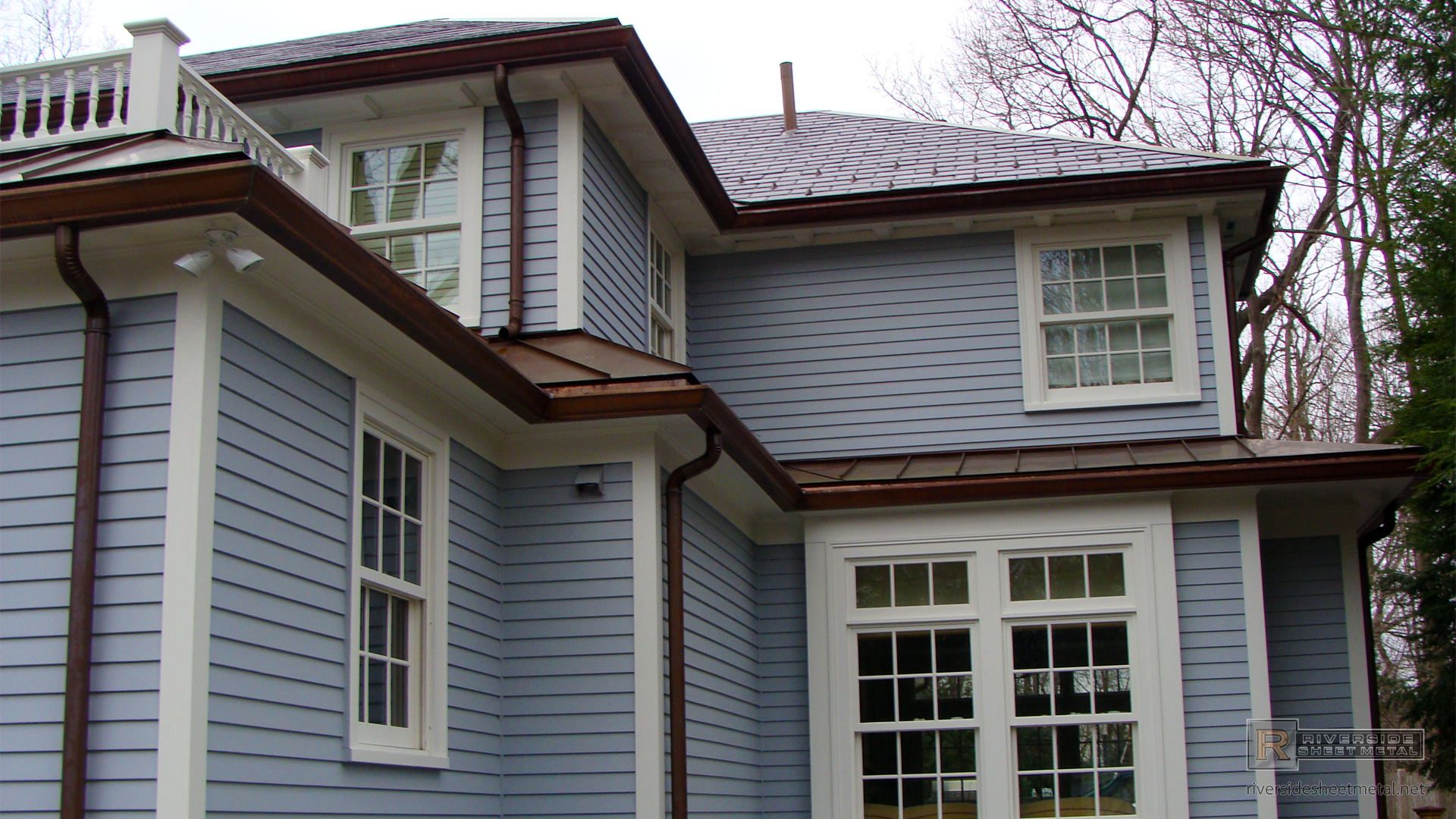 Ogee Gutter Installation In Copper How To Install Gutters Installation Gutter