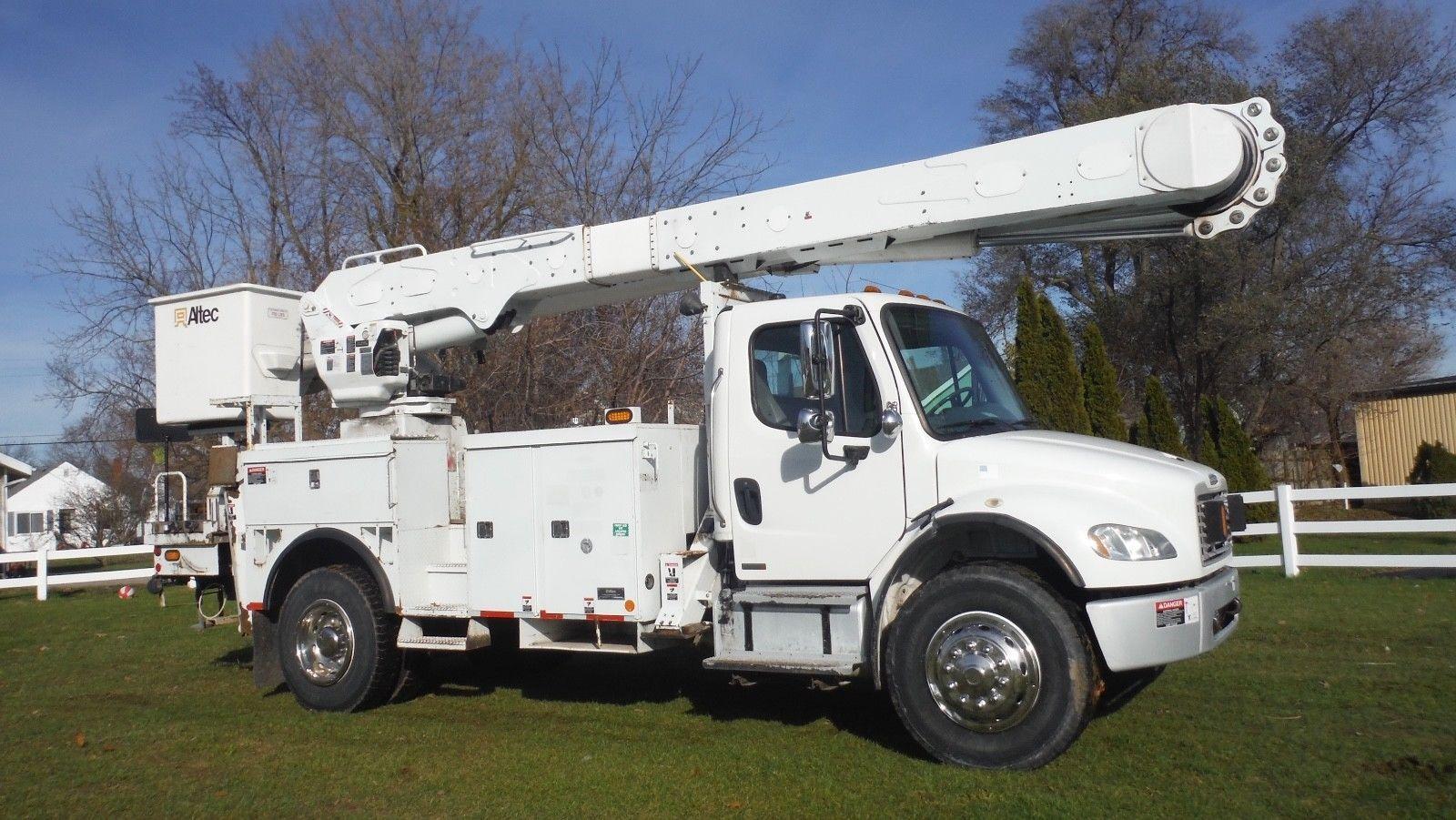 Ready For Work 2006 Freightliner Boom Truck Trucks For Sale Freightliner Trucks