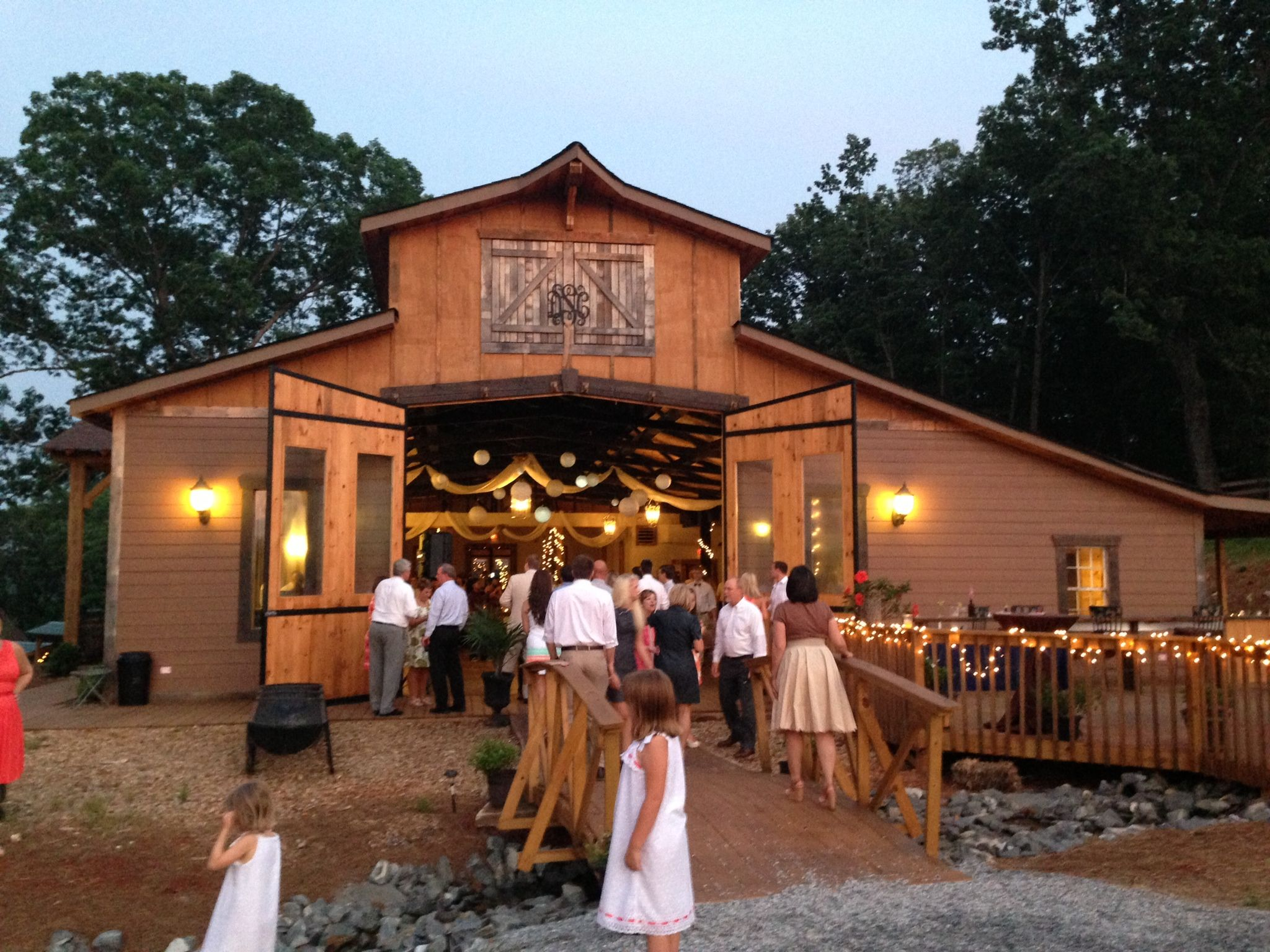 White Oaks Barn Reception, Dahlonega, GA Barn reception