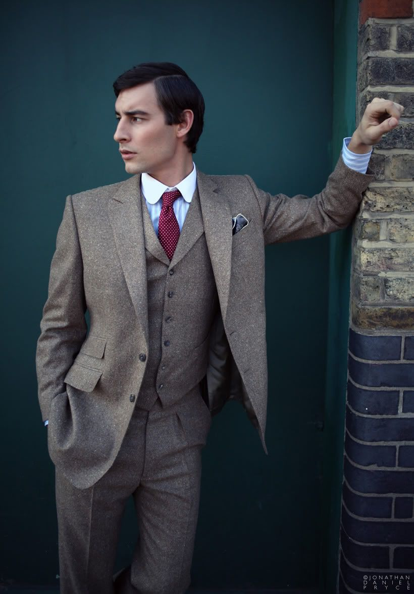 Tan tweed three piece #earthtone #suit #vest. | Look Book: Tan ...