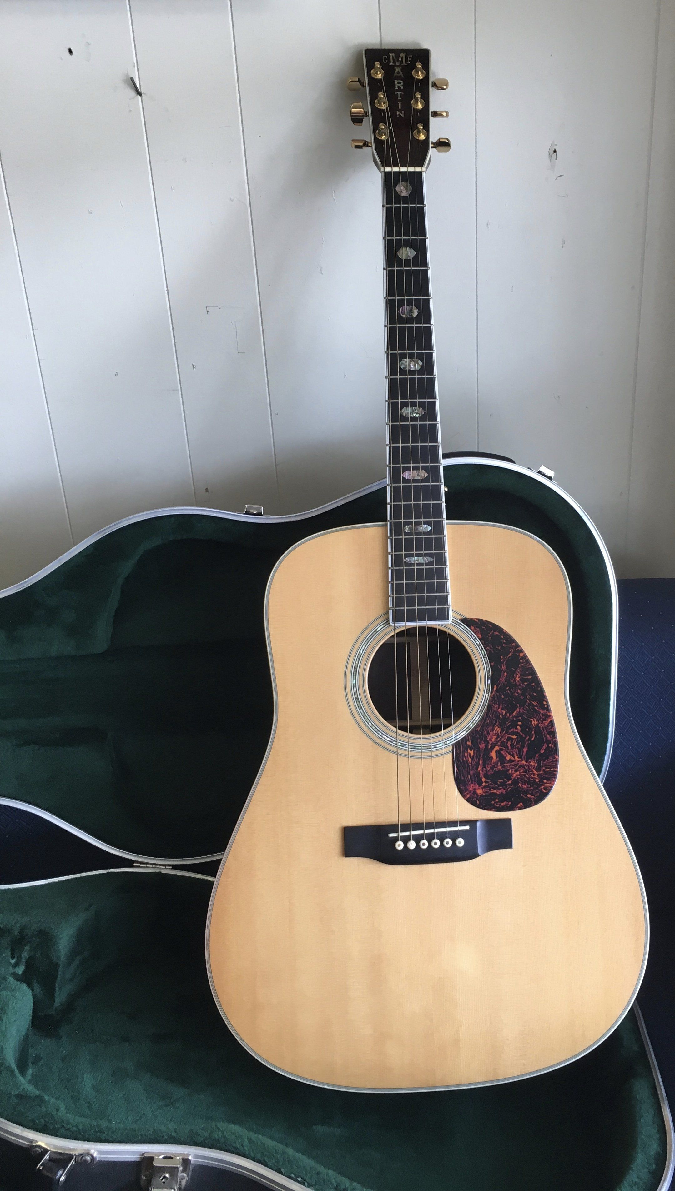 Martin D 40 Dreadnaught Acoustic Guitar Used With Hardshell Case Acoustic Guitar Lessons Learn Acoustic Guitar Guitar