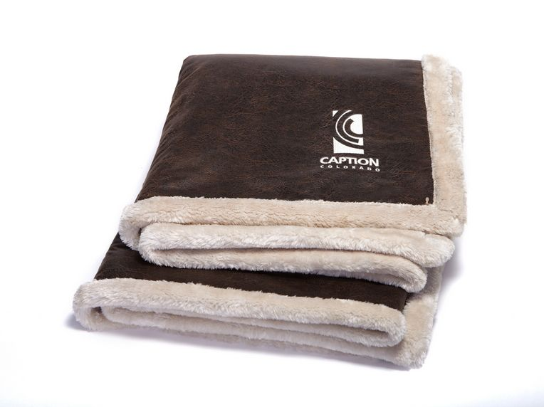 Thick Warm Custom Logo Printed Wool Sherpa Blanket Customized Blankets Towel Throw Blanket What is a sherpa blanket